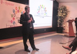 Carles Aleix, director de Andorra Desarrollo e Inversión, en su ponencia inaugural